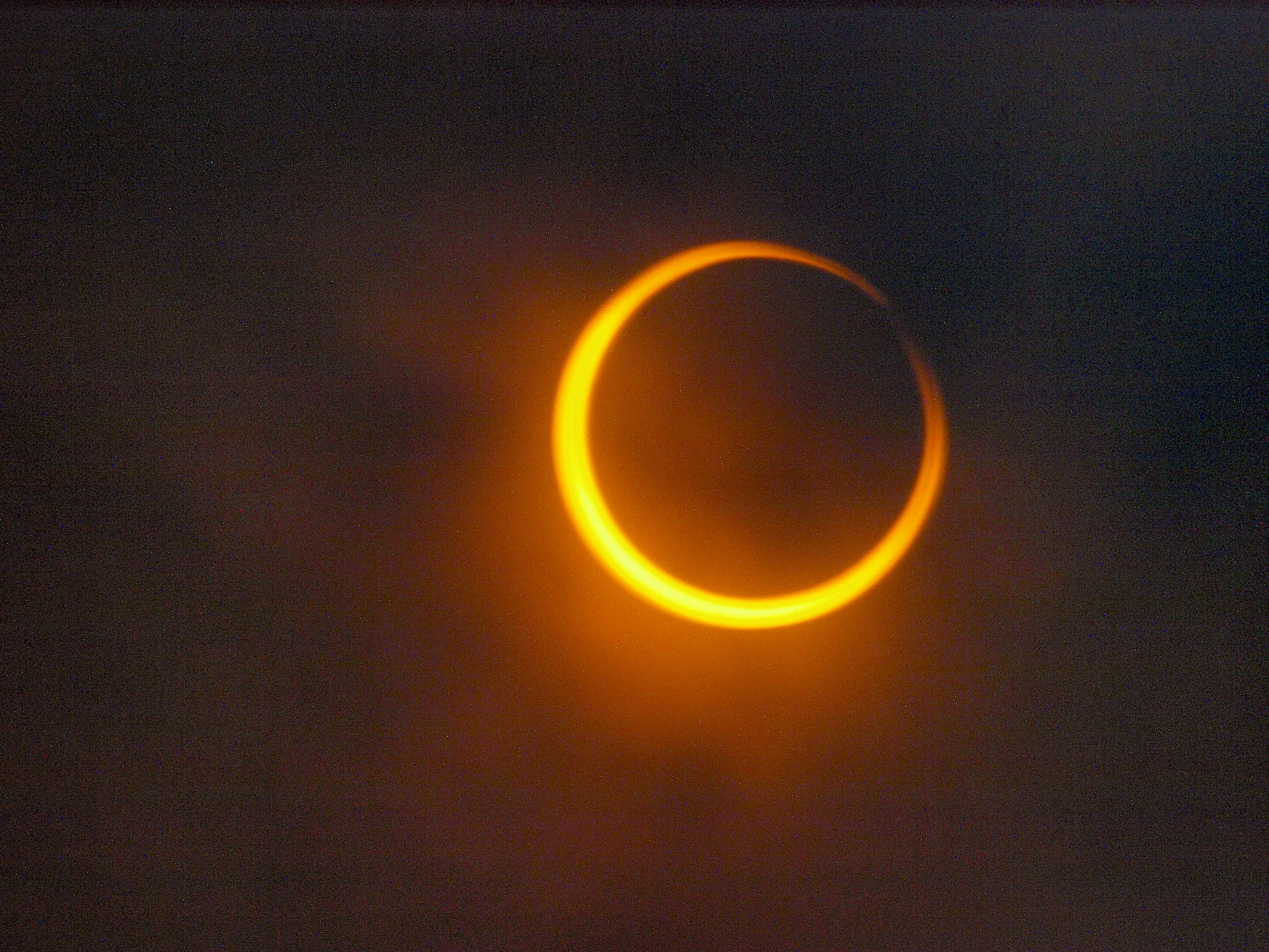 Annular Eclipse - Image by kaly from Pixabay